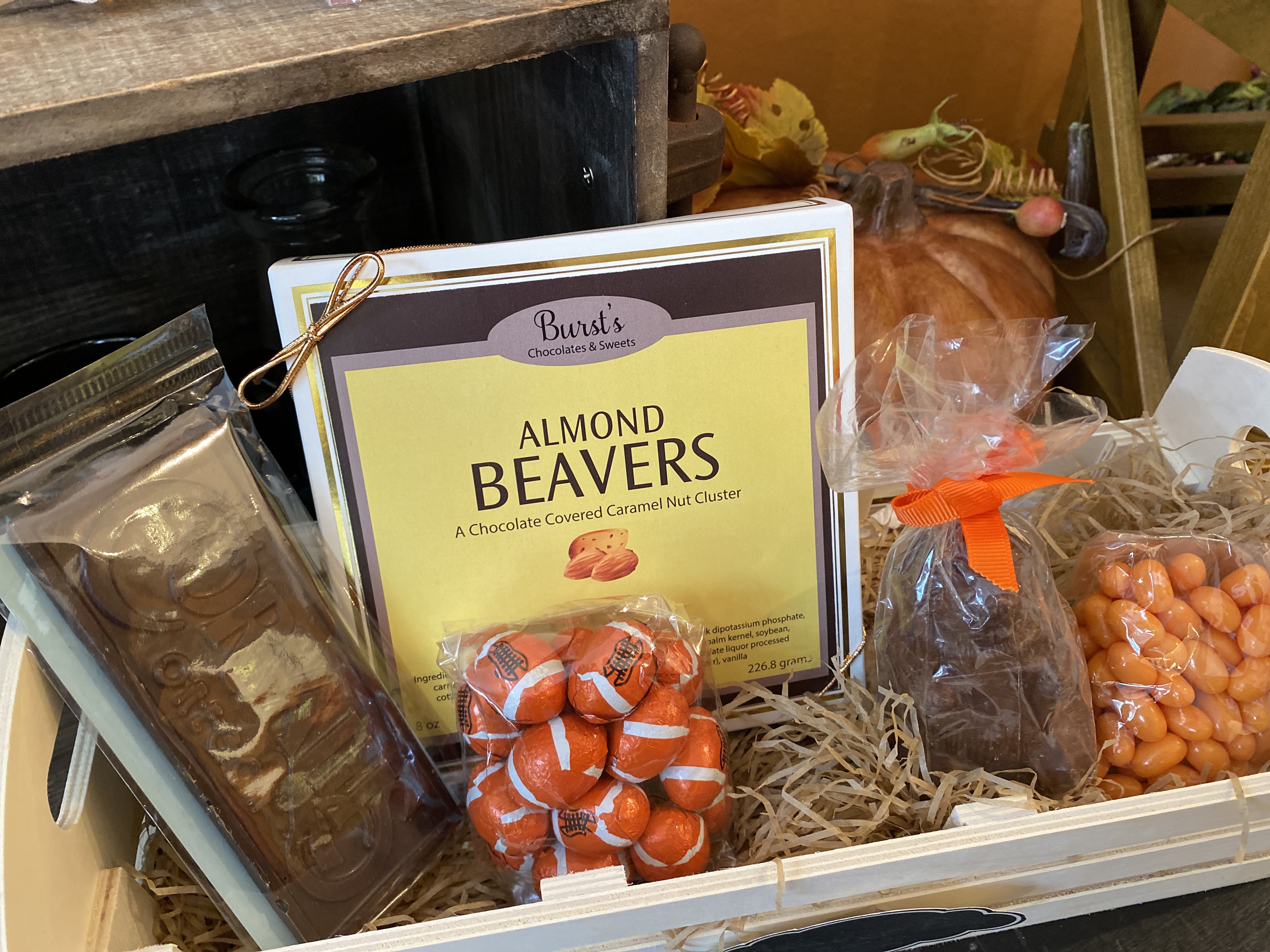 Beaver Basket w/Almond Beavers