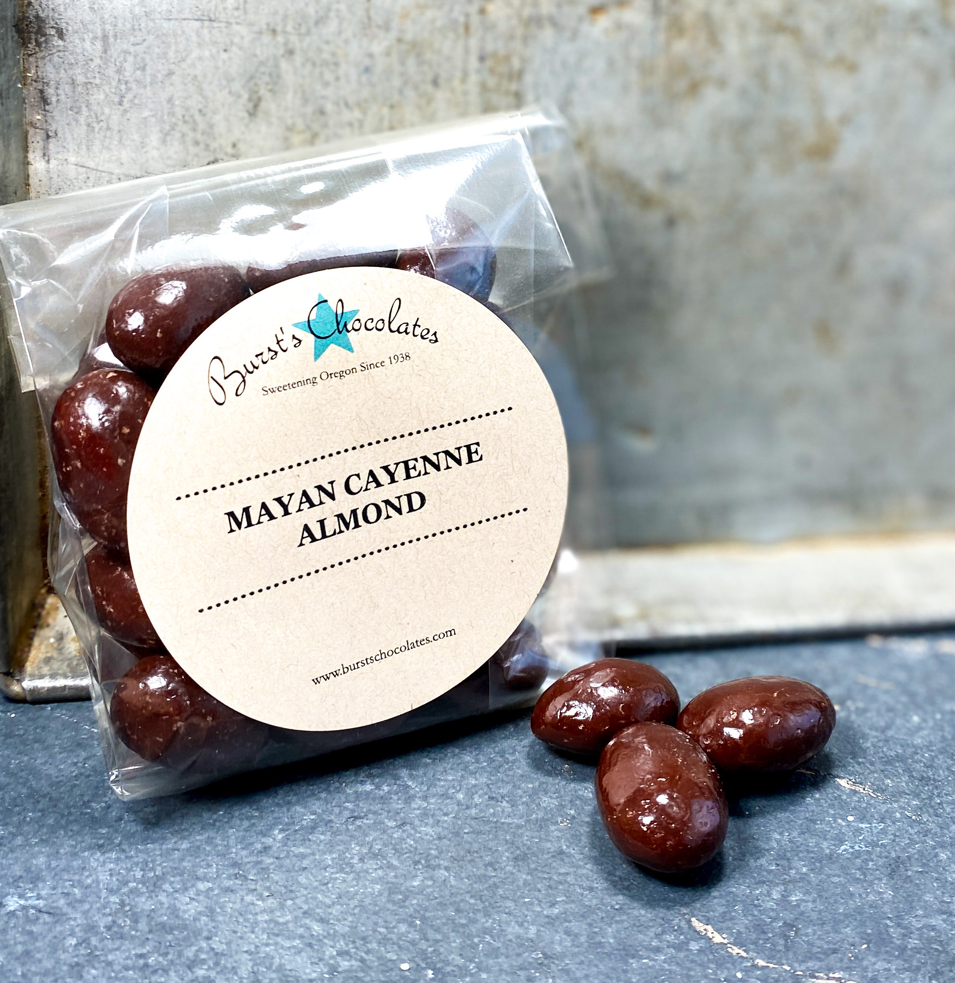 Mayan Cayenne Almonds