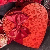 8oz Traditional Red Embossed Heart Box Filled